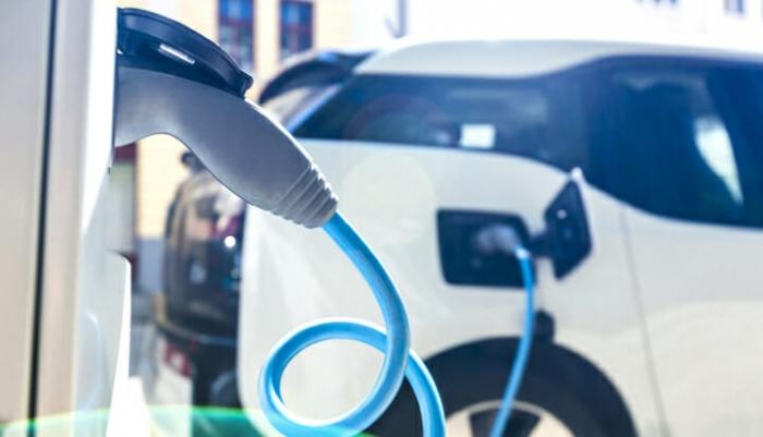 Sähköautojen markkinaosuus kolminkertaistuu