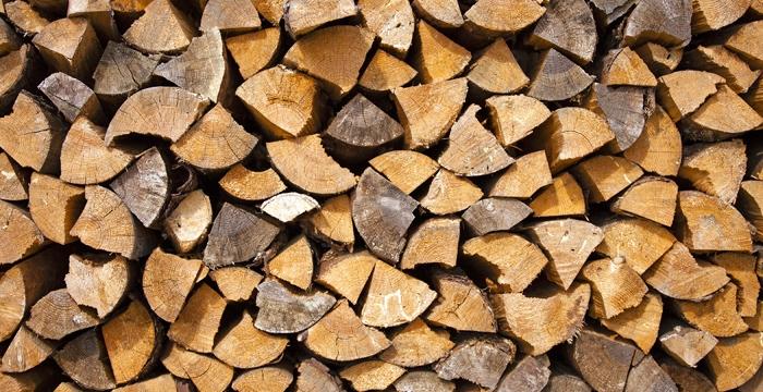 Polttopuun käyttö kasvoi