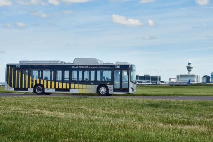 Schipholissa aloitti 35 sähköbussia