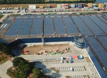 Hollantiin iso aurinkovoimala