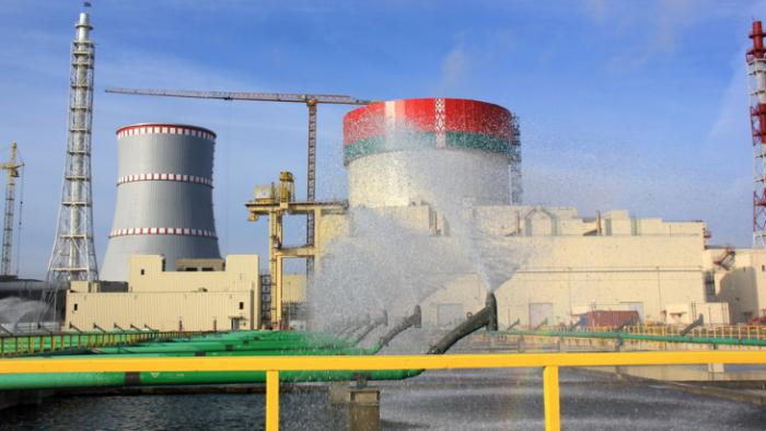 Valko-Venäjän sähkö pannaan Baltiassa