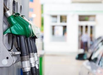 Päästöt ylös bensa-autojen myötä